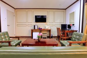Business Room 2