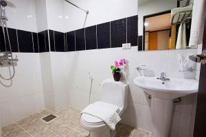 Standard Room Rest Room